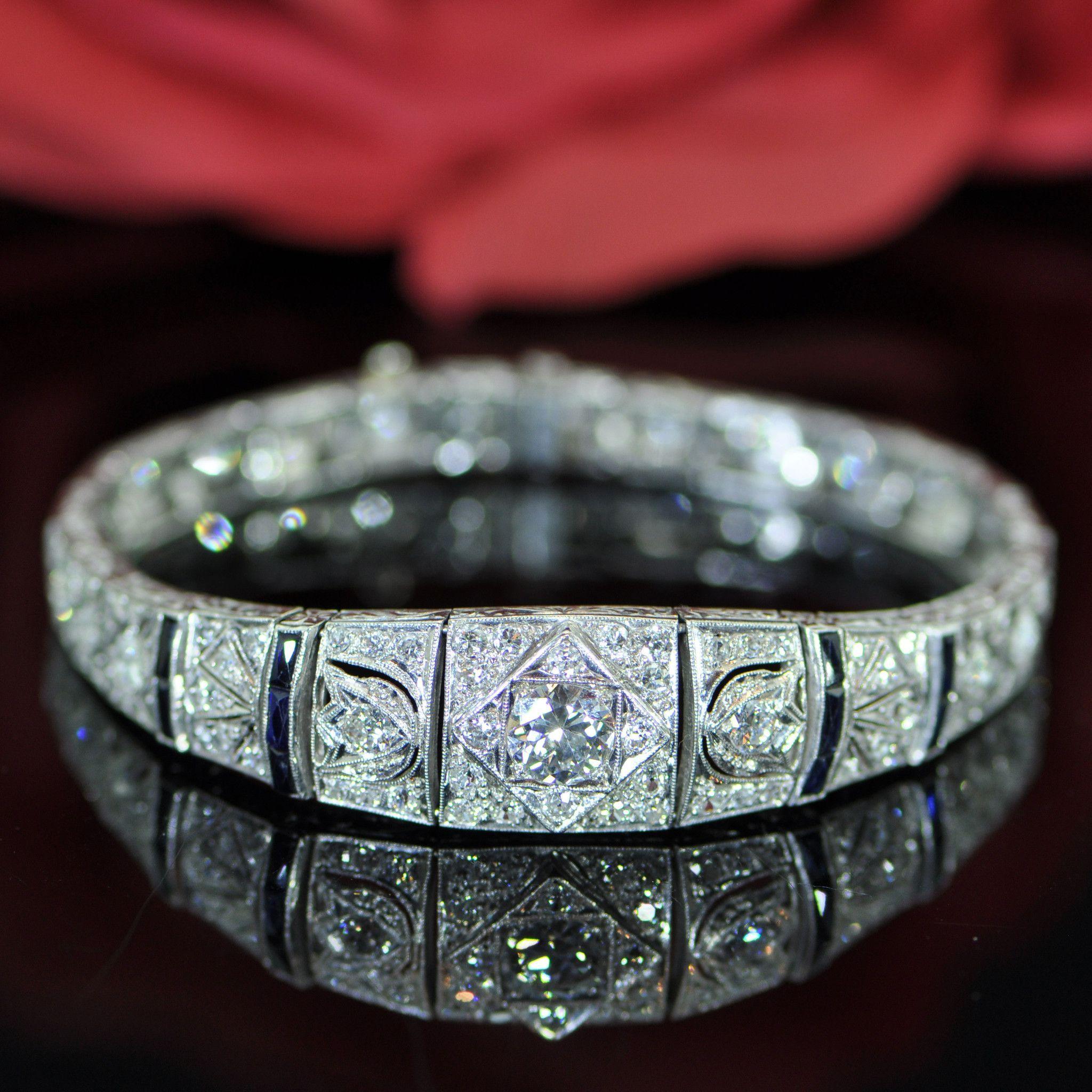 An Edwardian Platinum, Diamond and Sapphire Bracelet, 15.60 dwts.