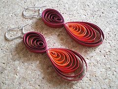 quilled earrings, gradient color scheme