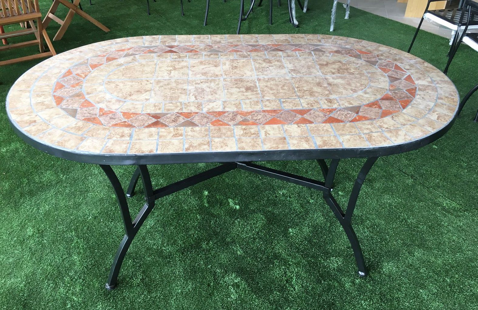 Tavolo In Ferro Battuto E Ceramica.Tavolo Da Giardino Ovale Con Mosaico In Ferro Battuto Cm