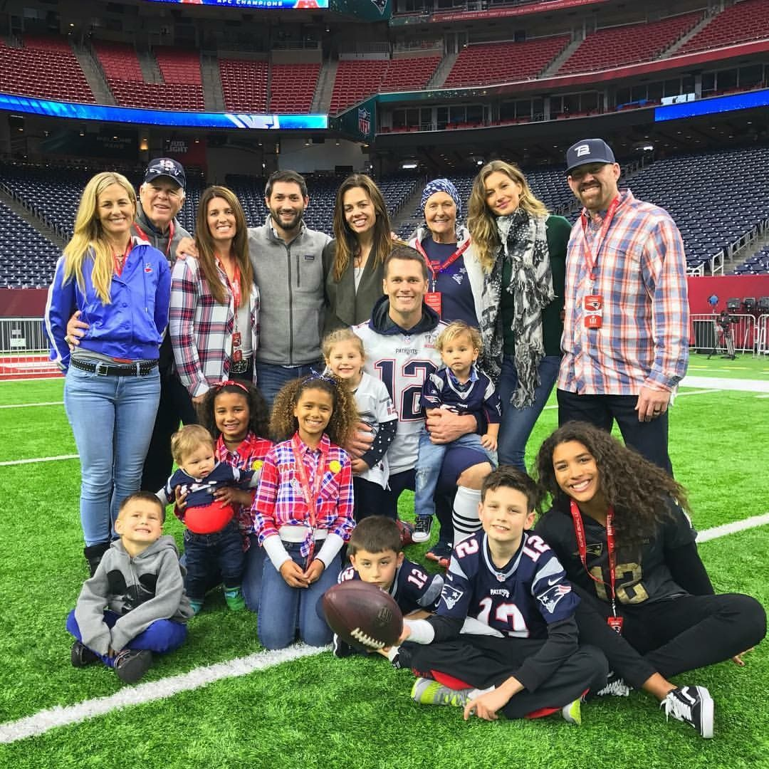 It Takes A Team And So Much Love Neverstopbelieving Tom Brady New England Patriots Football Patriots