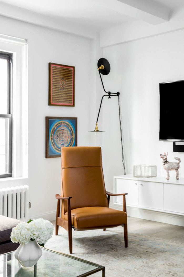 decorating a rental living room can be tricky without losing your deposit unless you follow these