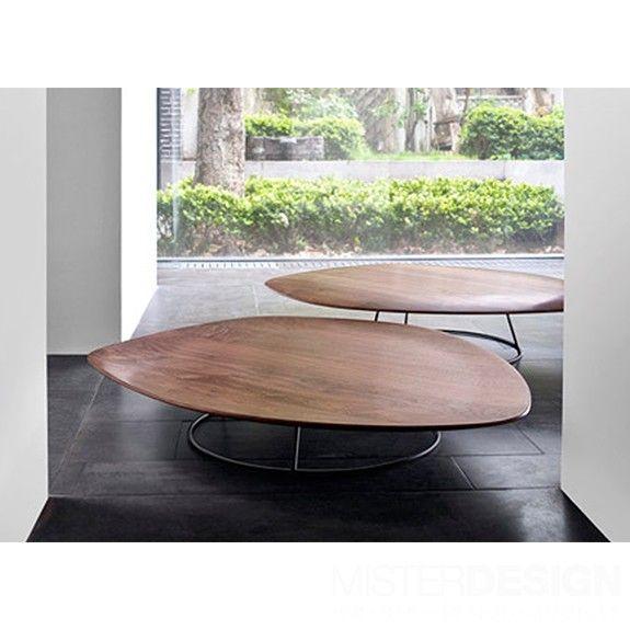 Design Salontafel Ligne Roset.Pebble Salontafel Holvormig Ligne Roset Walnut Coffee Table