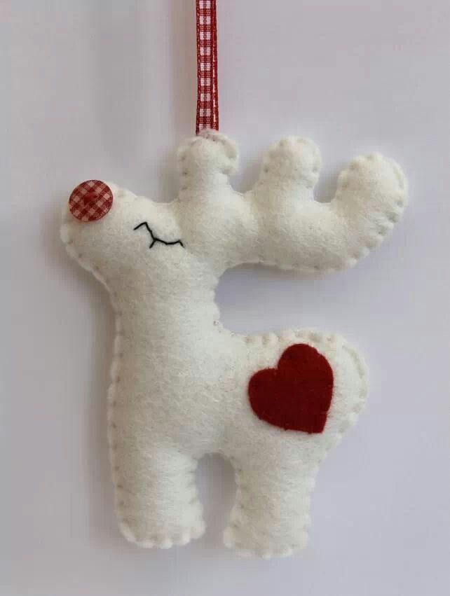 Pin by stephanie newsom on christmas pinterest felting ornament reno en fieltro christmas rudolph felt decoration could totally make this yourself for super cheap solutioingenieria Gallery