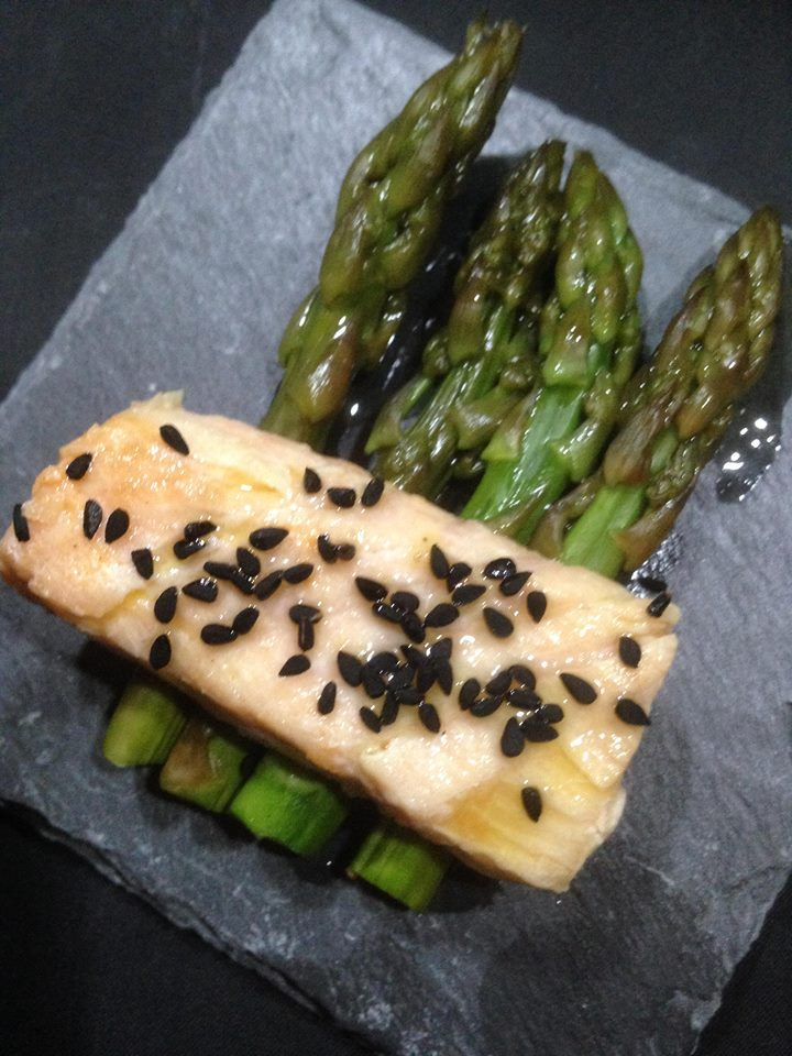 salmon and asperges marinated in orange oil , nigella