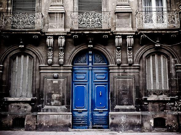 les 25 meilleures id es de la cat gorie portes bleues sur pinterest portes d 39 entr e bleues. Black Bedroom Furniture Sets. Home Design Ideas