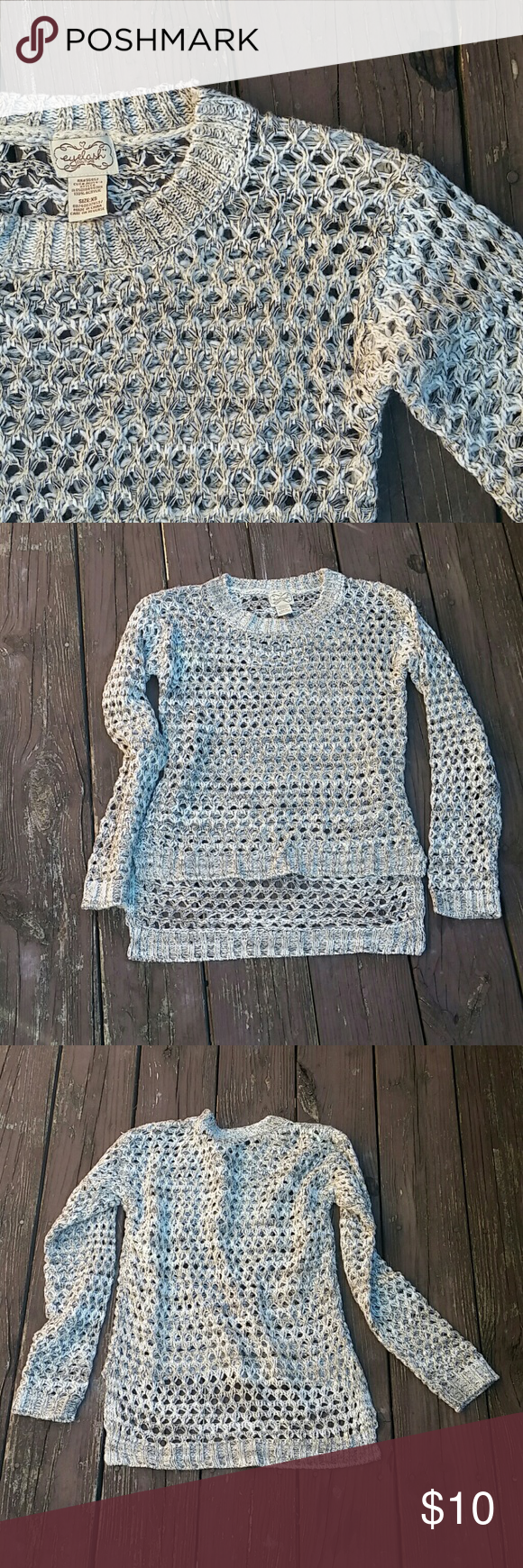 Super cute sweater Sweater in great condition! Size extra small Sweaters
