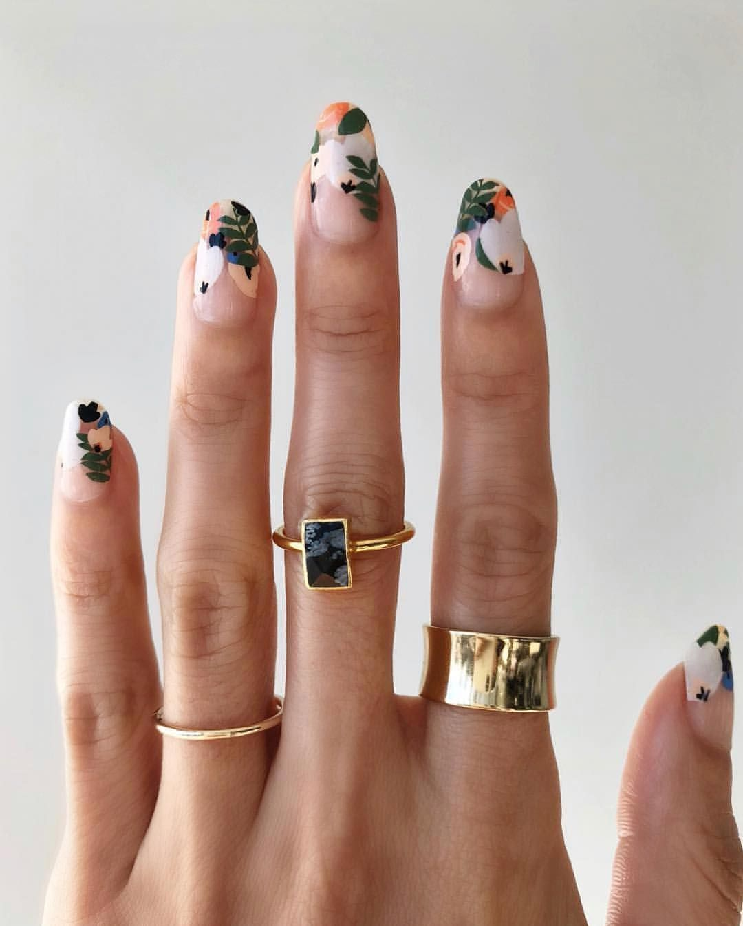 Allure Magazine On Instagram Enjoying These Leafy Floral Nails Before Fall Finally Ends And It S Time For Best Nail Art Designs Floral Nails Spring Nail Art