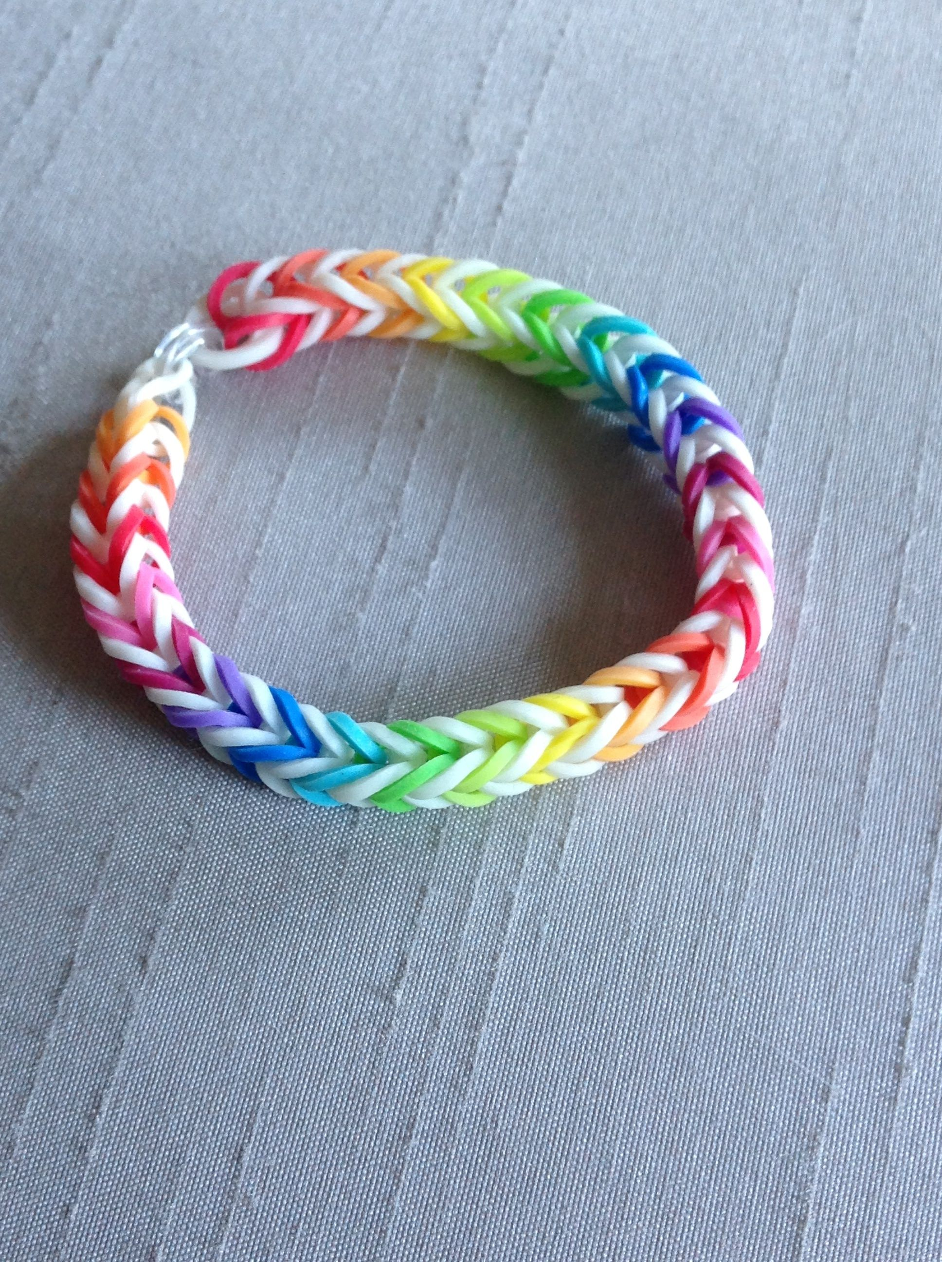 Glow In The Dark Rainbow Loom Bracelet Fishtail Design