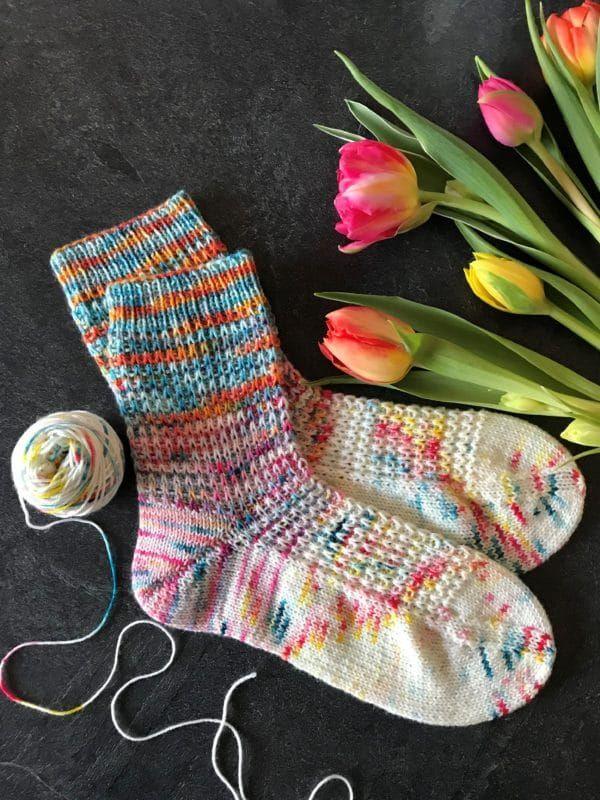 Photo of frühlingsfrische Socken stricken – HANDMADE Kultur