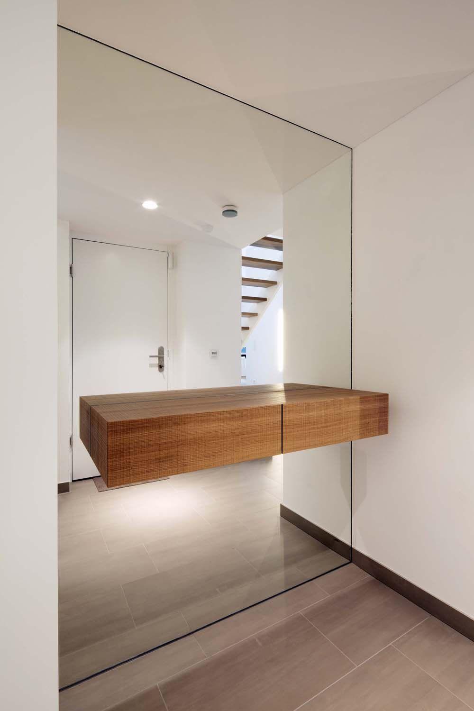 Leibal penthouseb destilat 10 minimalist home house for Minimal home mobili