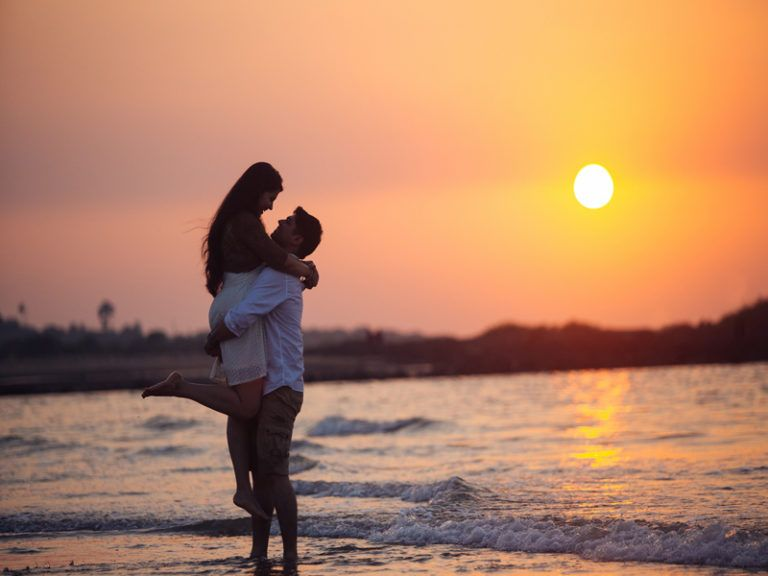 Checkout This Best Honeymoon Places In Chennai For Couples Stylesatlife Pre Wedding Photoshoot Wedding Photography Poses Wedding Photoshoot