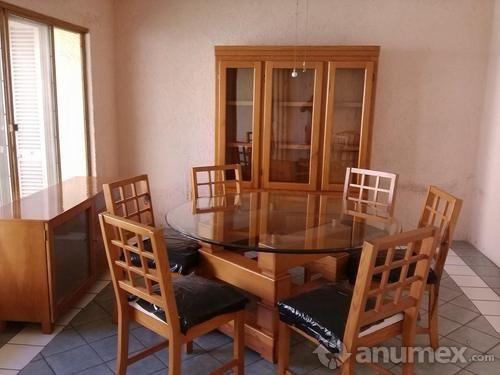 Comedor redondo de 6 sillas color maple para el for Comedor redondo de madera 4 sillas