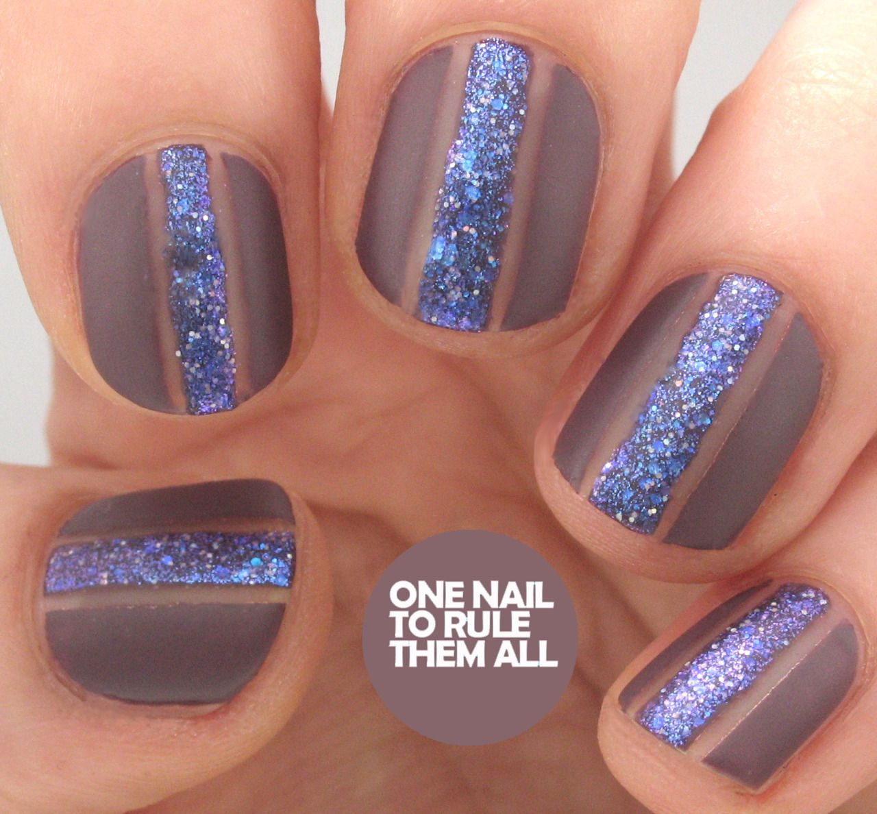 Tutorial Glitter Strips for Barry M. Read more Nails