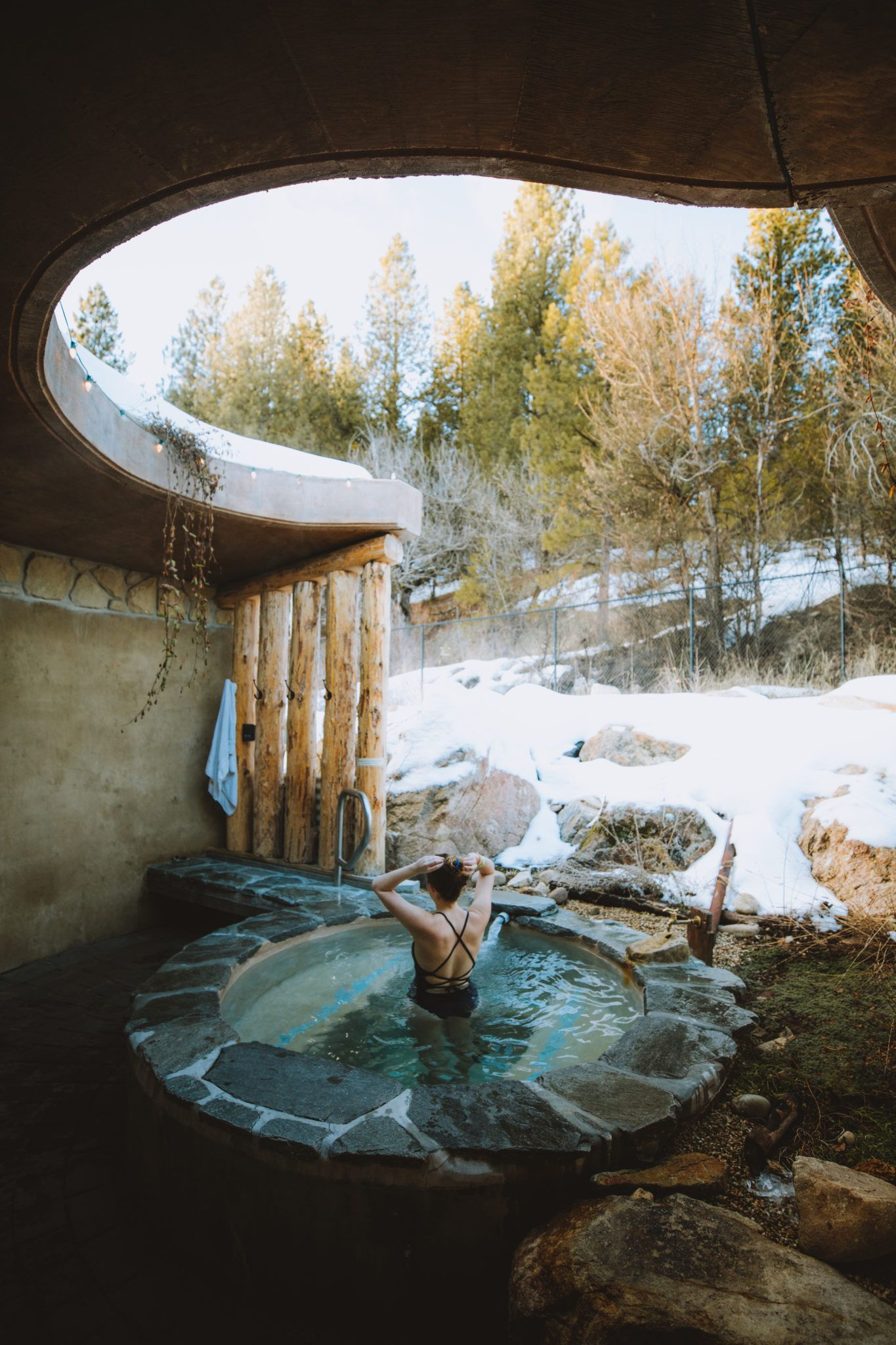 10 Pacific Northwest Hot Springs You Need To Visit This Year The Mandagies Hot Springs Pacific Coast Road Trip Idaho Travel
