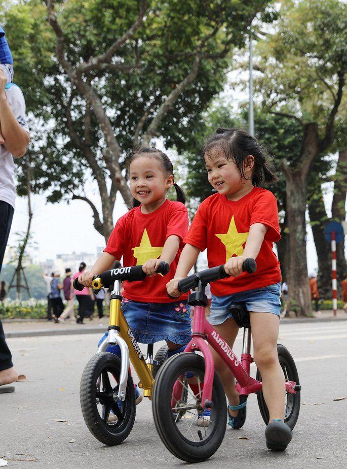 áo cờ đỏ sao vàng cho bé - Hình 3