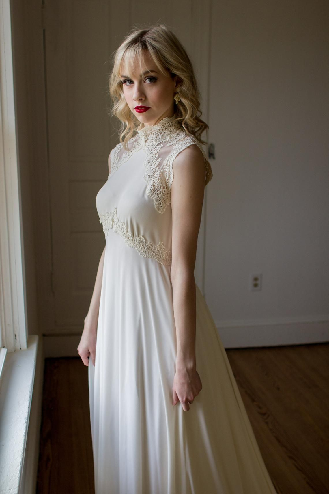 Vintage 1970's Jersey and Lace sleeveless wedding gown