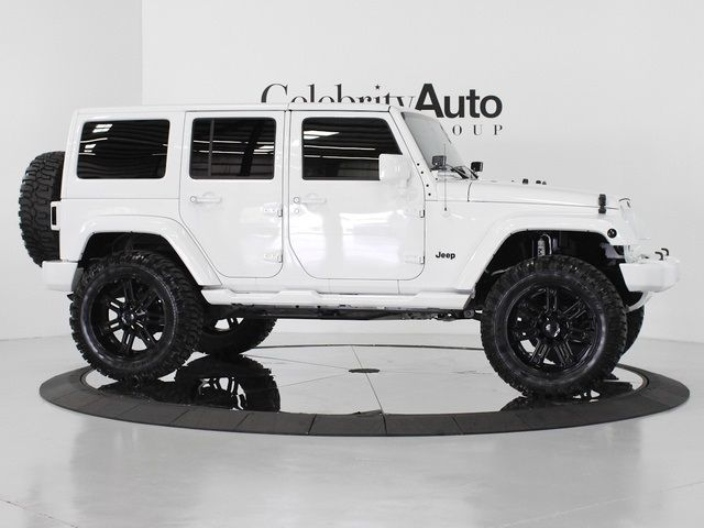 White Jk Jeep Unlimited 640 480 Jeep Wrangler Unlimited Sahara