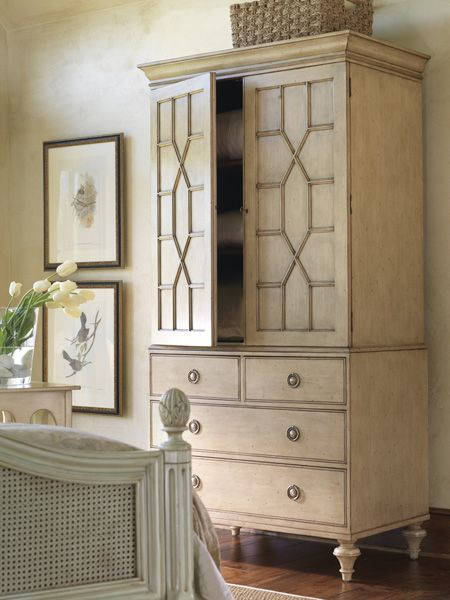 New Hope Linen Press | Somerset Bay #somersetbay #interiors #homedecor #design #interiorhomescapes #interiorhomescapes.com
