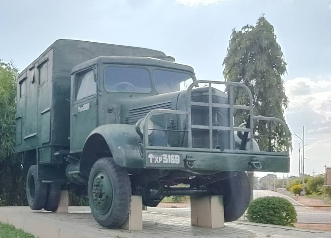 Ashok Leyland Stallion Indian Army With Images Army Truck