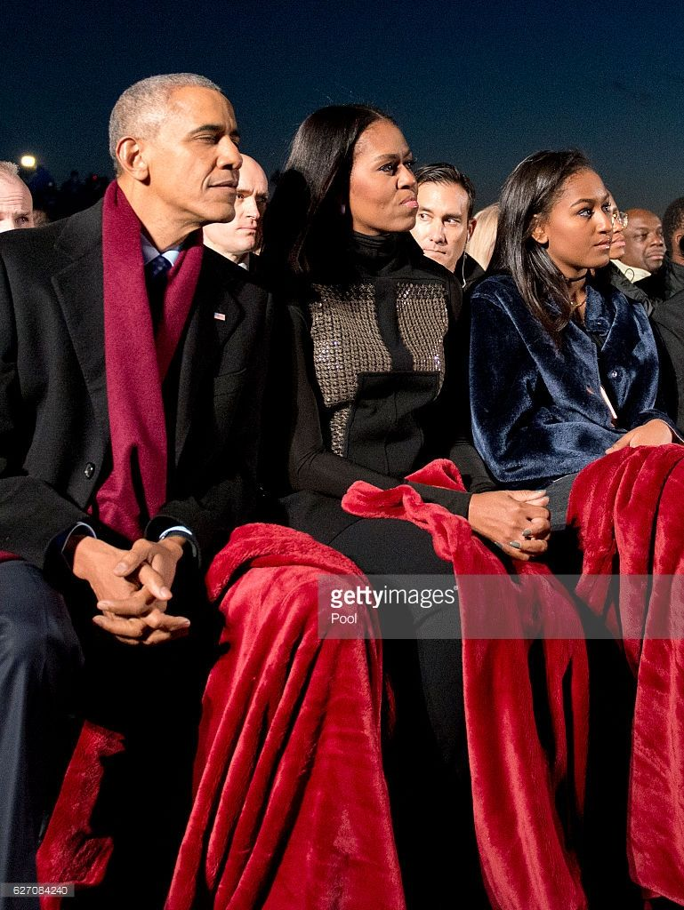 U.S. President Barack Obama, first lady Michelle Obama and daughter Sasha Obama attend the National Christmas Tree Lighting on the Ellipse December 1, 2016 in Washington, DC. This year is the 94th annual National Christmas Tree Lighting Ceremony.
