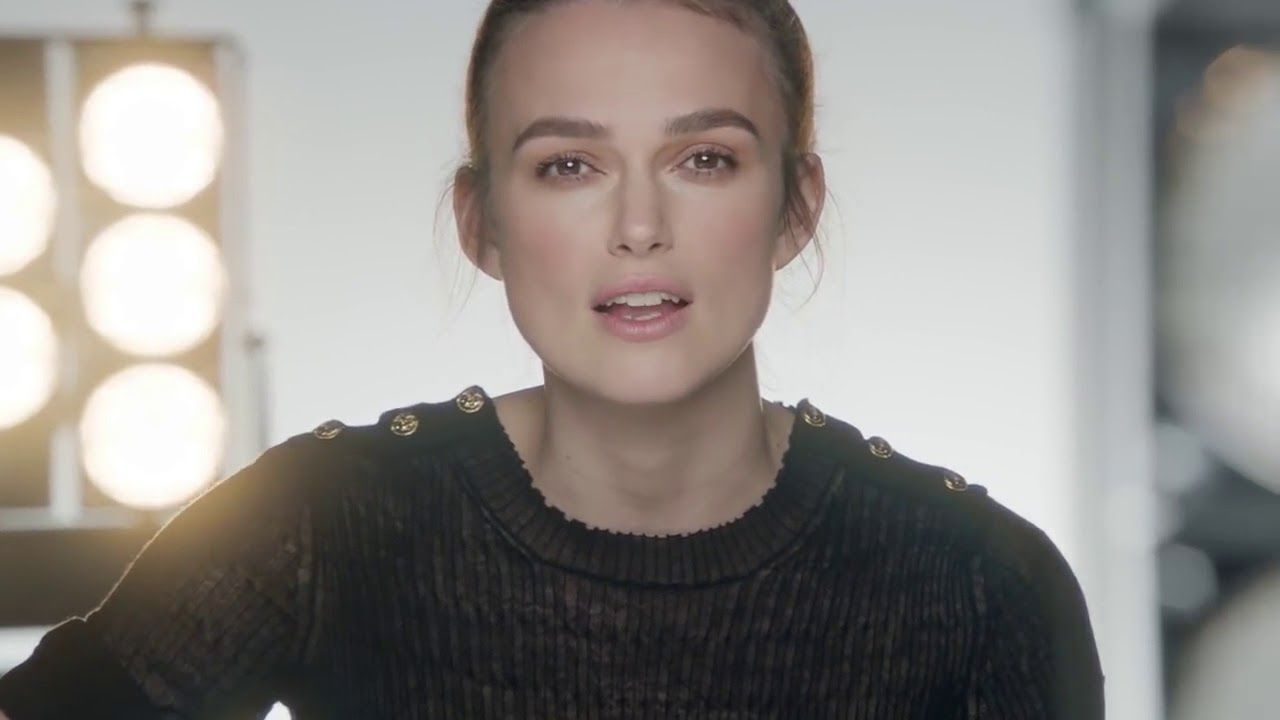 keira knightley chante le tourbillon de la vie en fran ais youtube keira knightley. Black Bedroom Furniture Sets. Home Design Ideas
