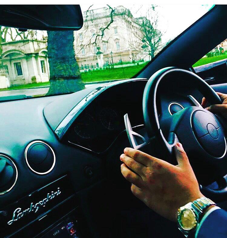 Lamborghini lp640 roadster & Buckingham Palace Tour #sangeethsegaram #lp640roadster #ceo #buckinghampalace #supercarcircle #supercardating #millionairenetworking #millionairedating