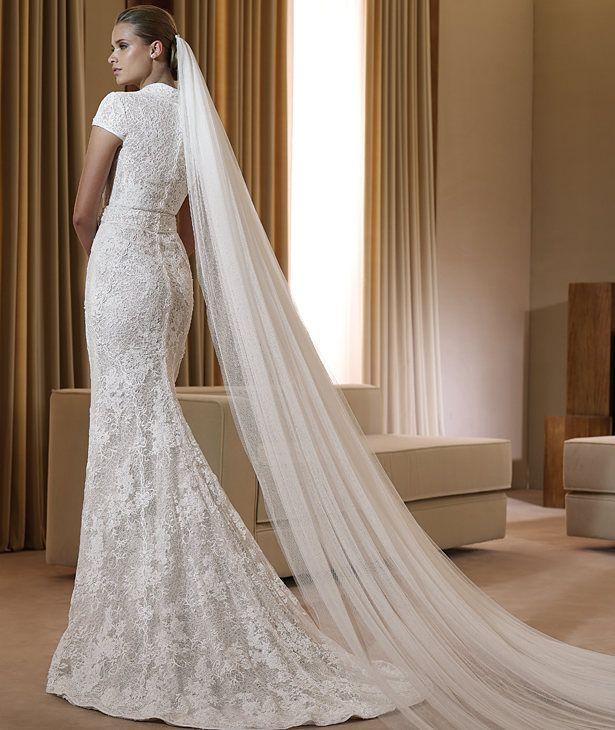 32b66a59884e6 23 Elegant and Glamorous Wedding Dresses