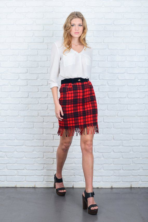 Plaid skirt blond on bike, kings leon sex fire lyrics
