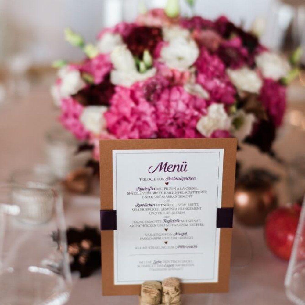 Menükarten mit Kupfer und lila Details