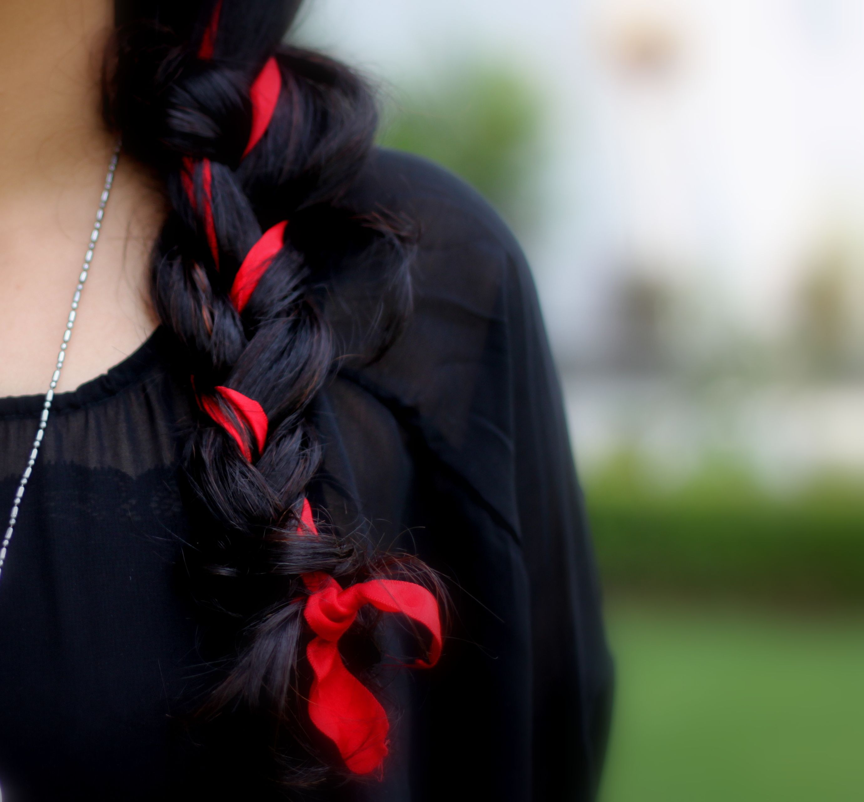 Modern Indian Bride Hairstyle: Chic Way To Wear A Simple Ribbon In Your Hair