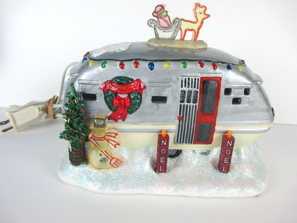 Roadside christmas light up airstream silver trailer for Airstream christmas decoration