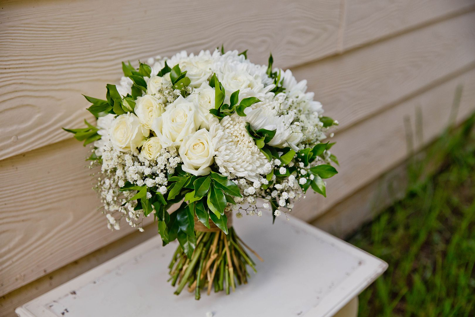 Green And White Wedding Bouquet Roses Dis Bud Chrysanthemum