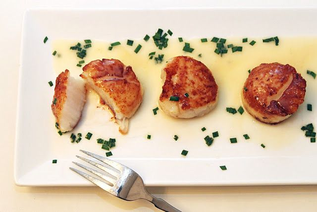 seared scallops + beurre blanc.