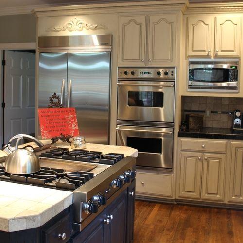 Kilim Beige Cabinets w/ Charcoal Glaze   - for the home ...