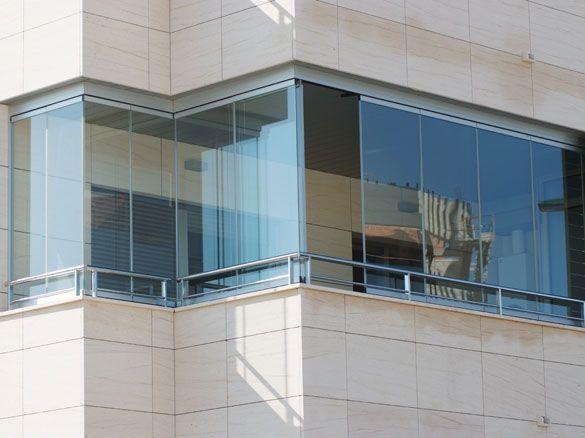 Epingle Sur Balcon