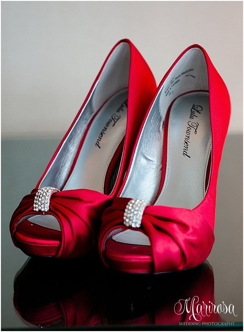 red wedding shoes www.photographybymarirosa.com