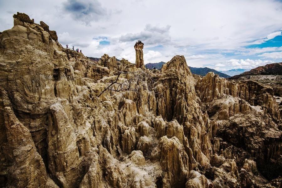 Bizarre Landscapes Of Valle De La Luna Tripfreakz Com La Paz Monument Valley Natural Wonders