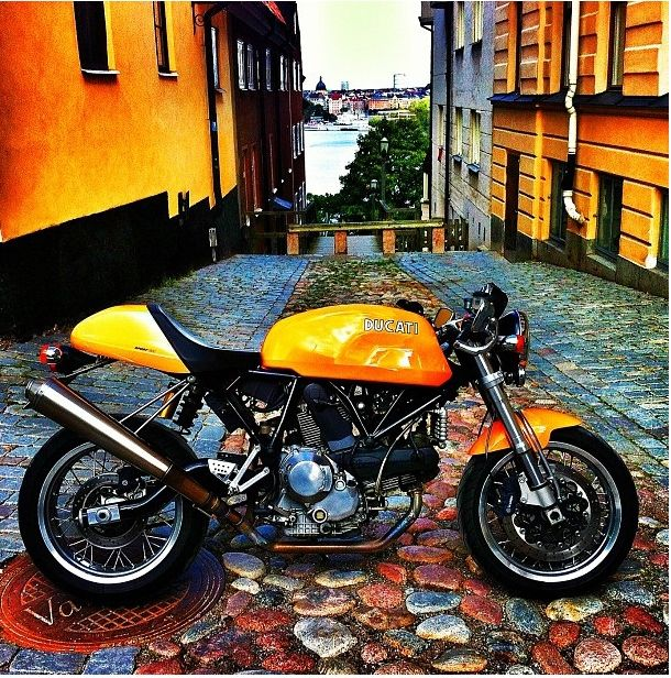 Ducati Sports Classic 1000 cafe racer