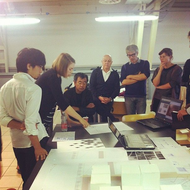 Group 1. Explaining the concept to Kengo Kuma. #Expo2015 #ExpoMilano2015 #Expo2015Cluster #ClusterIslands