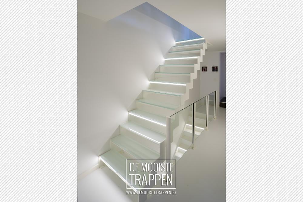 De Mooiste Trappen : Witte trap met glazen treden u pure light genico de mooiste