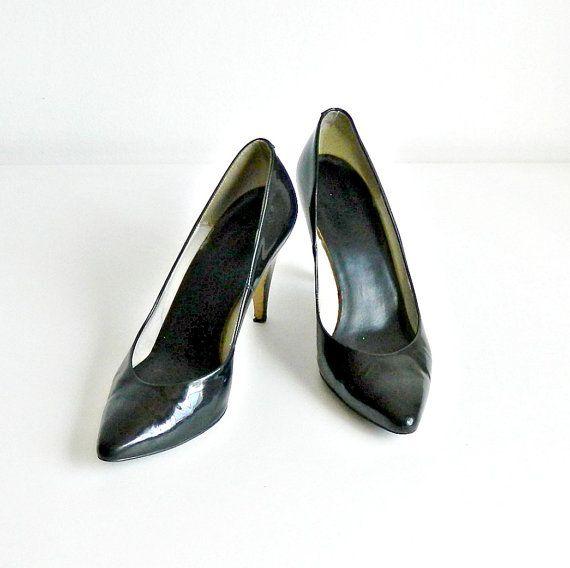 SALE Vintage Black Patent Leather Pumps. 1980s Spike Heels. Size 7.5. Italian Designer Bruno Magli.