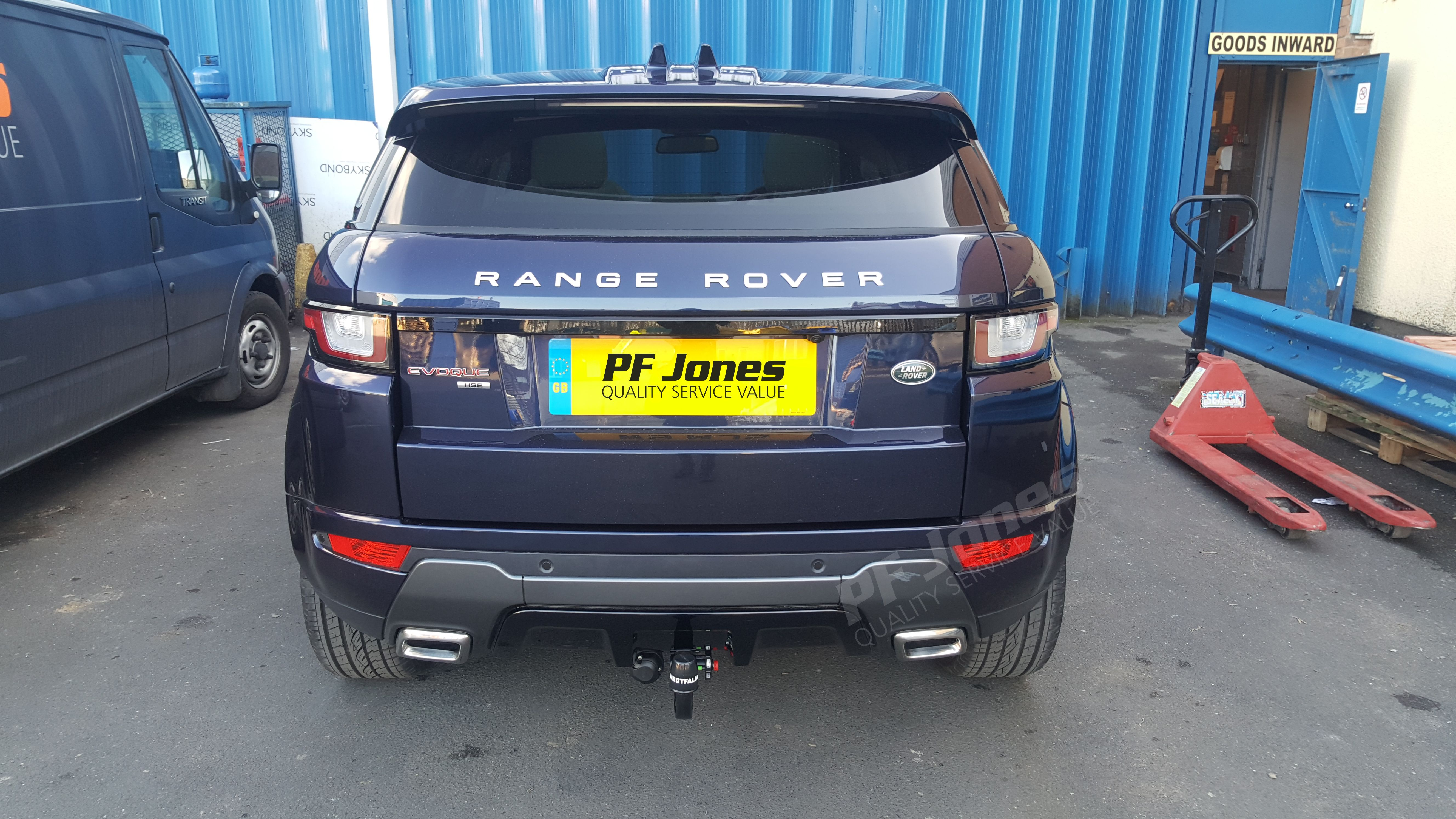 range rover evoque fitted with a westfalia detachable towbar at pf jones hq towing towbar. Black Bedroom Furniture Sets. Home Design Ideas