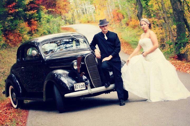 Bonnie Clyde Wedding Gangster 40s Church Pics