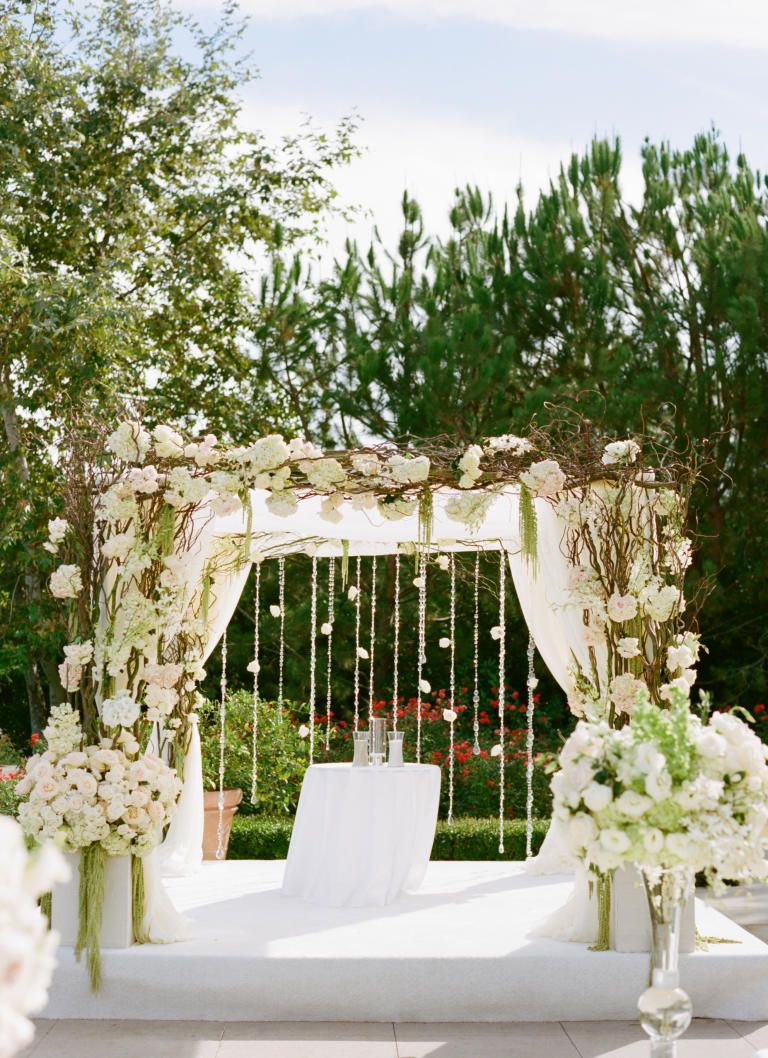 Elegant White Rustic Wedding Arch Flowers Combined With The Lovely White Canopy Curtains And Hanging Flowers Accessories Bea… | Pinteres…