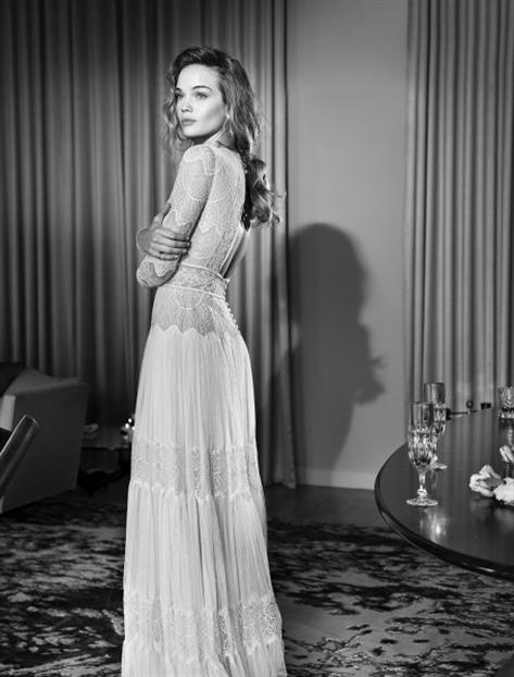 ליהי הוד -  072-223-1547 שמלות כלה בהנחה החצר הנשית . מאורסות טריות? קבלו הזדמנות שאסור לפספס, היוזמה החברתית של 'החצר הנשית' בנמל יפו מציעה שמלות כלה של המעצבים המובילים במחירים נמוכים במיוחד, כאשר כל ההכנסות מיועדות לנערות במצוקה  Lihi hod - Haute couture, bridal gown,wedding dresses