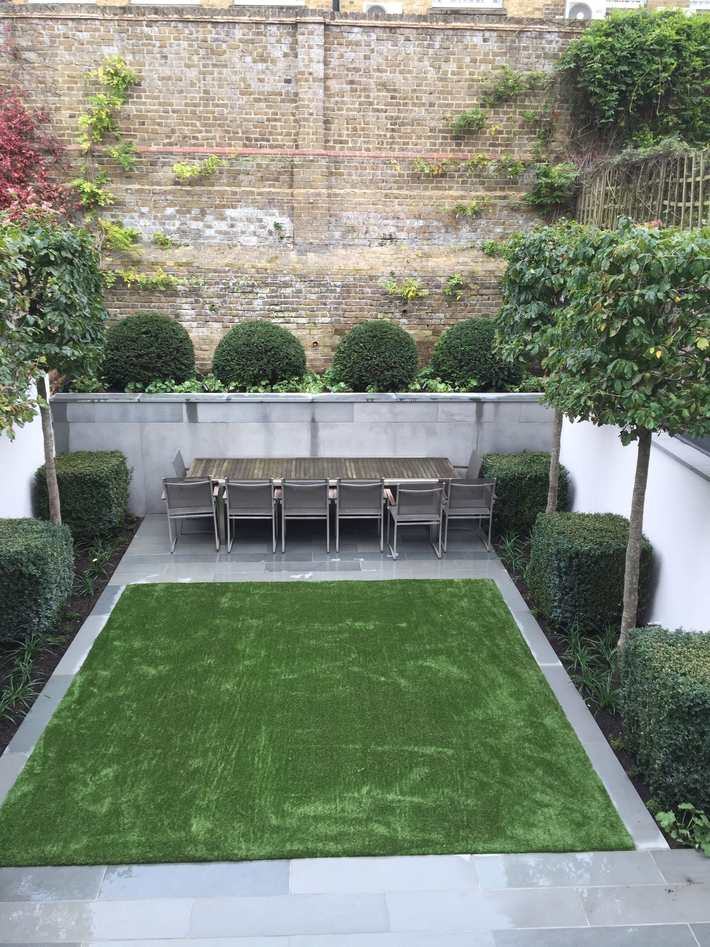 BUTTER WAKEFIELD GARDEN DESIGN Created A Modern Formal Garden With Lots Of Simple Clipped Topiary Shapes And Clean Lines