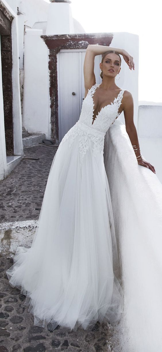 Amazing Designer V Neck Wedding Dress Tulle With Sheer Straps Open Back Lace…  Fabulosos vestidos de ... cd895f70c29c