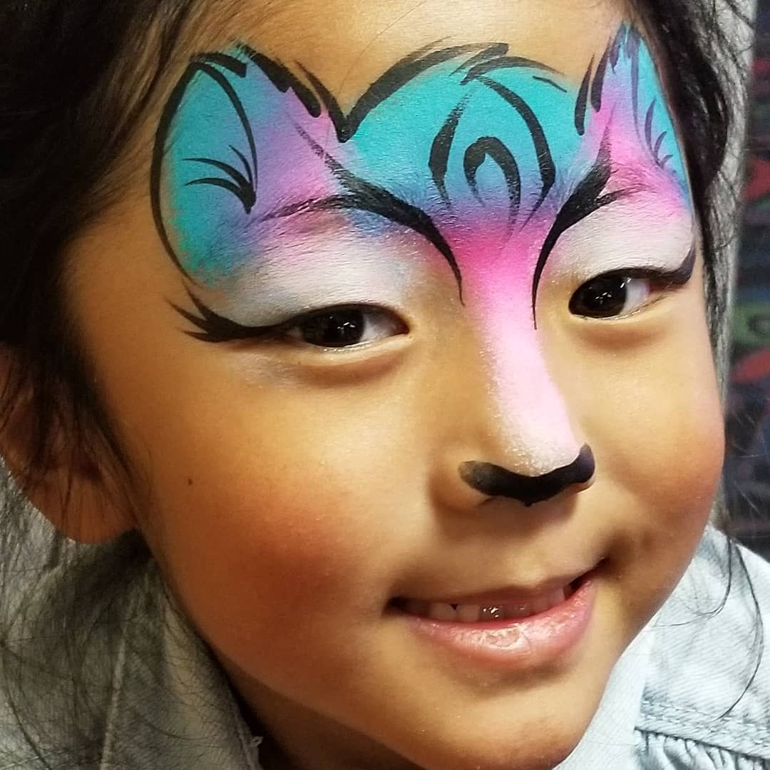 Dolphin cutie #facepainting | Face painting, Carnival face