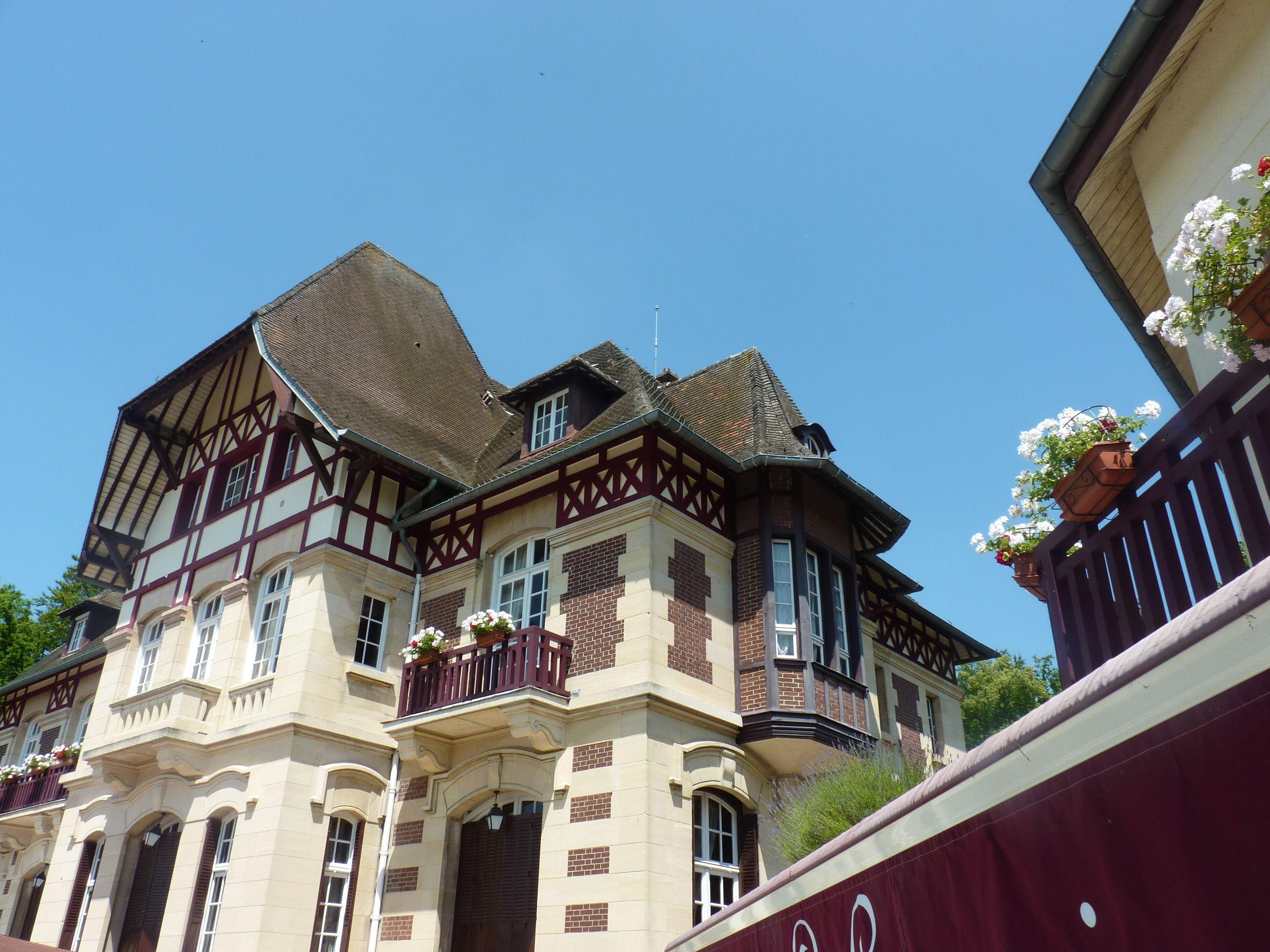 Ch¢teau de la Tour Chantilly France hateaudelatour