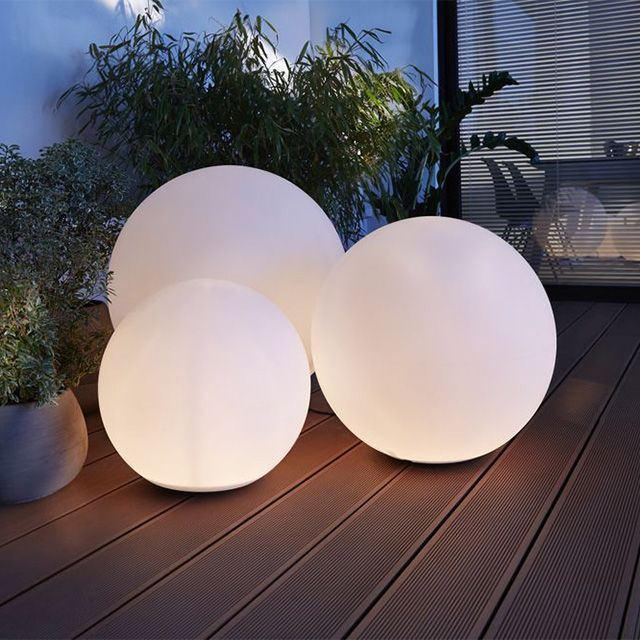 luminaire exterieur boule blanche. Black Bedroom Furniture Sets. Home Design Ideas